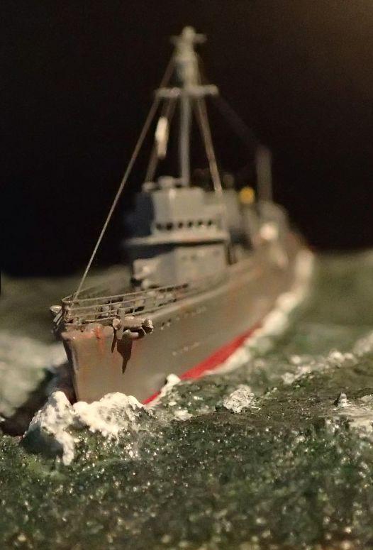 Collection de maquettes, vieux jouets et objets de marine P3110012