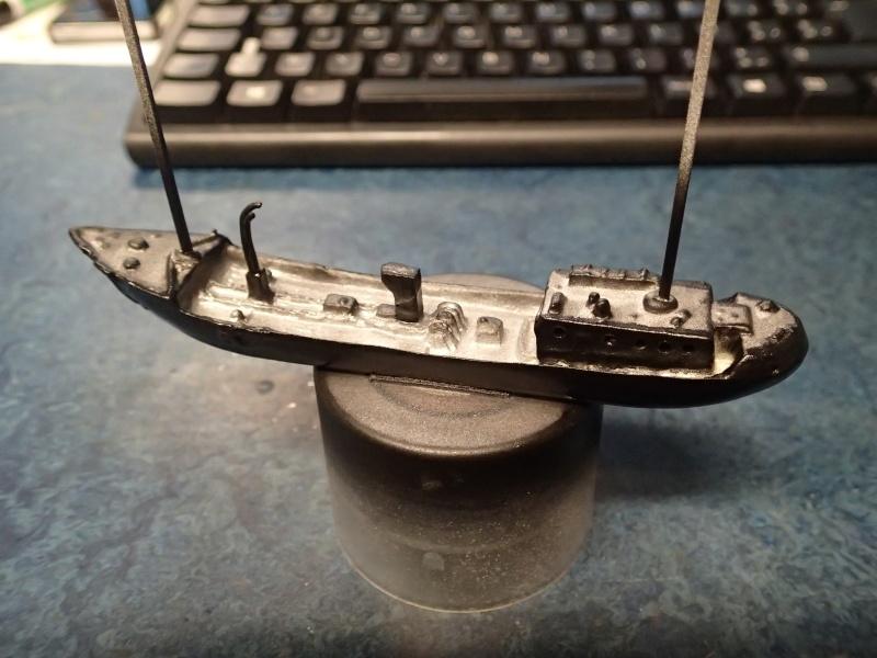 Collection de maquettes, vieux jouets et objets de marine - Page 2 P3130012