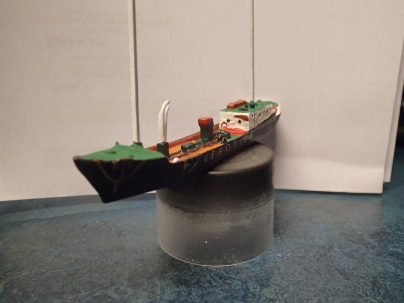 Collection de maquettes, vieux jouets et objets de marine - Page 2 P3160011