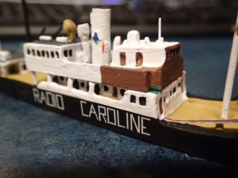Collection de maquettes, vieux jouets et objets de marine P3190011