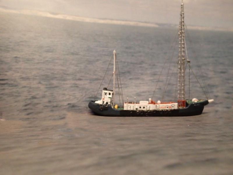 Collection de maquettes, vieux jouets et objets de marine - Page 2 P3310011
