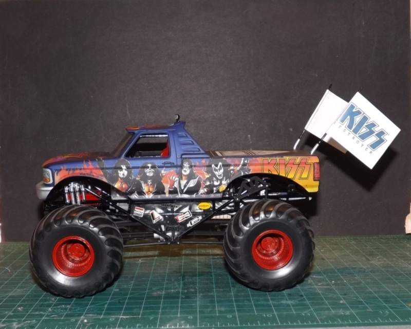 Ford Monster Truck (KISS) 1/25 AMT  Dscf1210