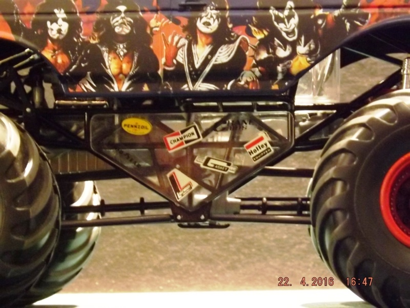 Ford Monster Truck (KISS) 1/25 AMT  Dscf1213