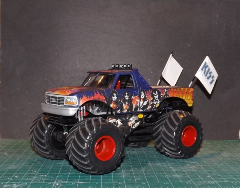 Ford Monster Truck (KISS) 1/25 AMT  Dscf1214