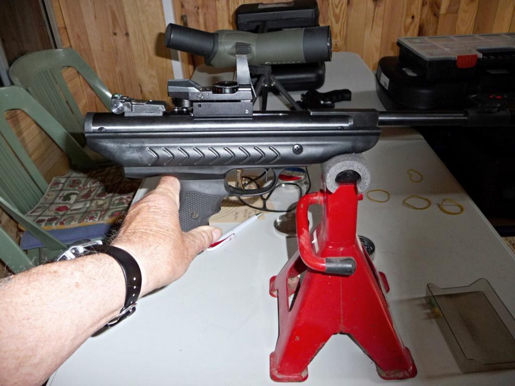 Dispositif pour bloquer un pistolet pour régler la lunette ou Red Dot P1040812