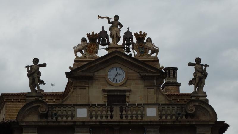 Reçu un beau diapo....Les horloges et pendules des rues..... - Page 25 Dsc03527