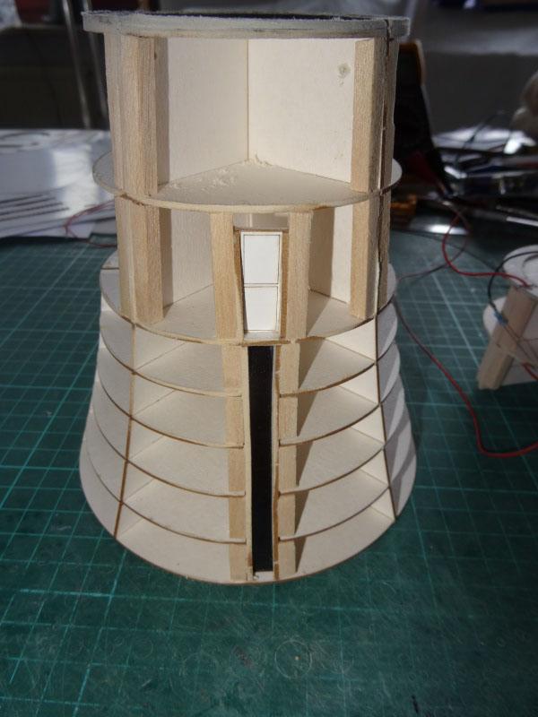 Kurti's  Leuchtturm Roter Sand, Maßstab 1:72   Dsc02210