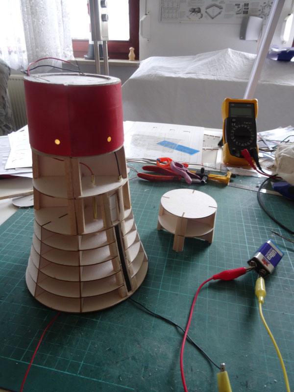 Kurti's  Leuchtturm Roter Sand, Maßstab 1:72   Dsc02211
