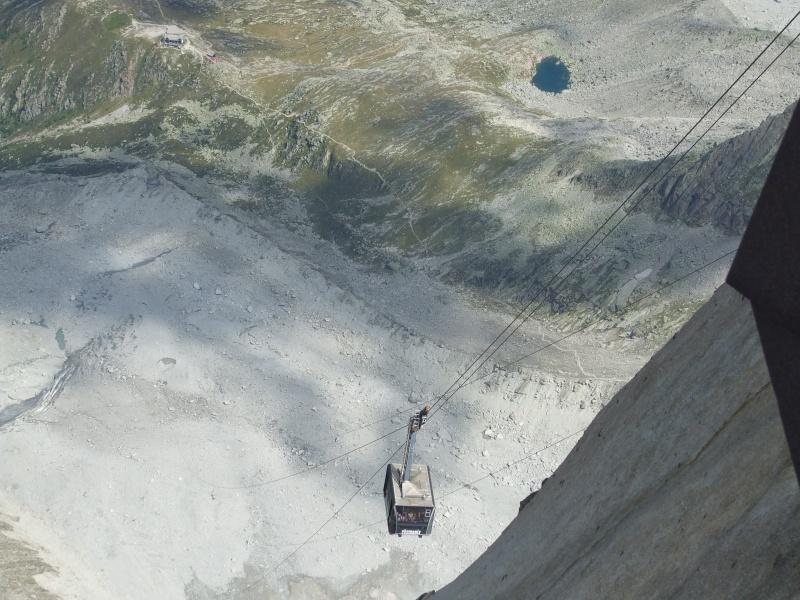 L'Aiguille du Midi, 3842 m - Page 3 Dscf0610