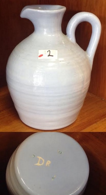 NZ pottery from the 70s is made by Orzel Orzelh11