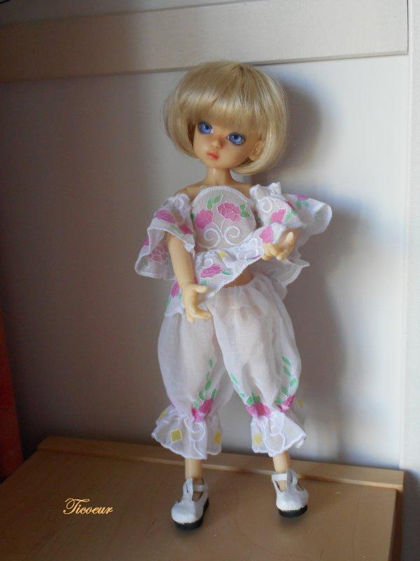 Zoya mon tit bouchon (Millie) a une nopuvelle tenue le 23-12  Dscn1567