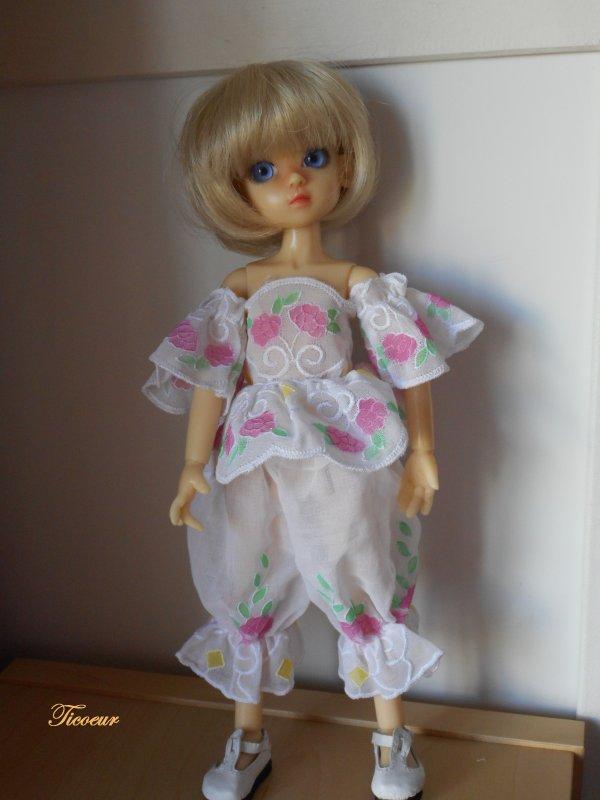 Zoya mon tit bouchon (Millie) a une nopuvelle tenue le 23-12  Dscn1568
