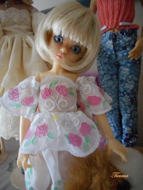 Zoya mon tit bouchon (Millie) a une nopuvelle tenue le 23-12  Dscn1579