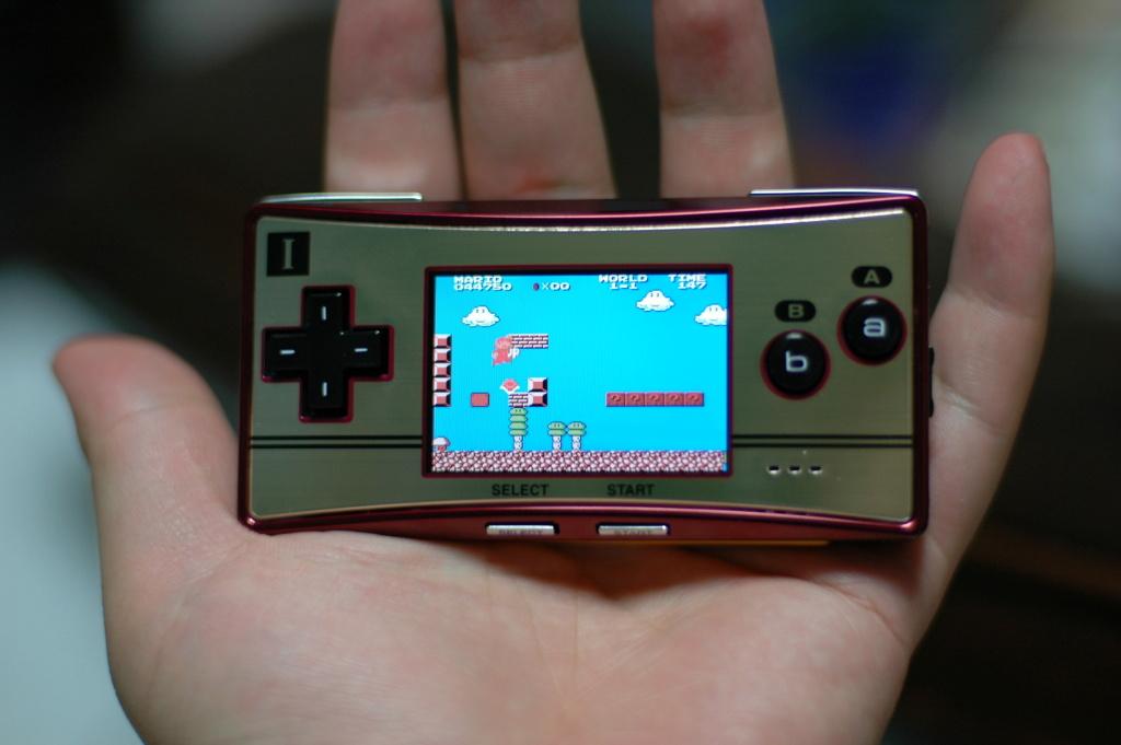 Quelle console portable a le meilleur DESIGN ? 01166