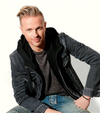 NickyByrne wins Most Stylish Man at the vip style awards 13151710