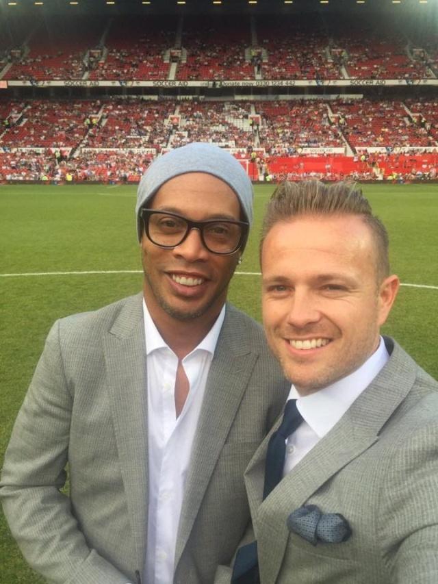 Nicky junto a leyendas del Fútbol 13315710