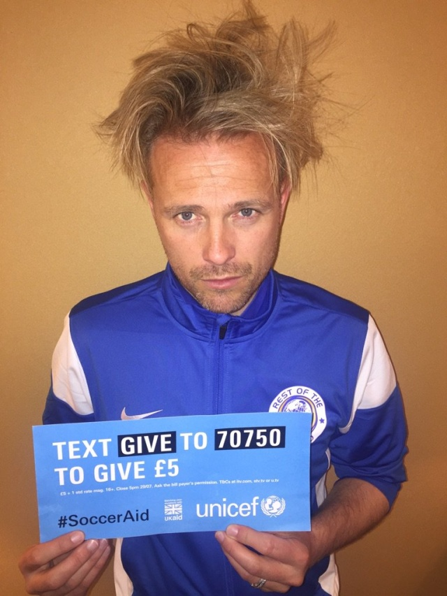 Nicky pide que donen a Soccer Aid Ckhtwm10