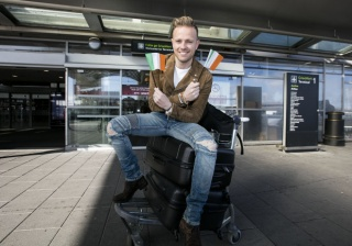 Nicky regresa a casa después de Eurovisión Nicky-37