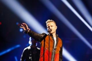 Nicky Byrne toma el escenario para su primer ensayo de Eurovisión Normal55