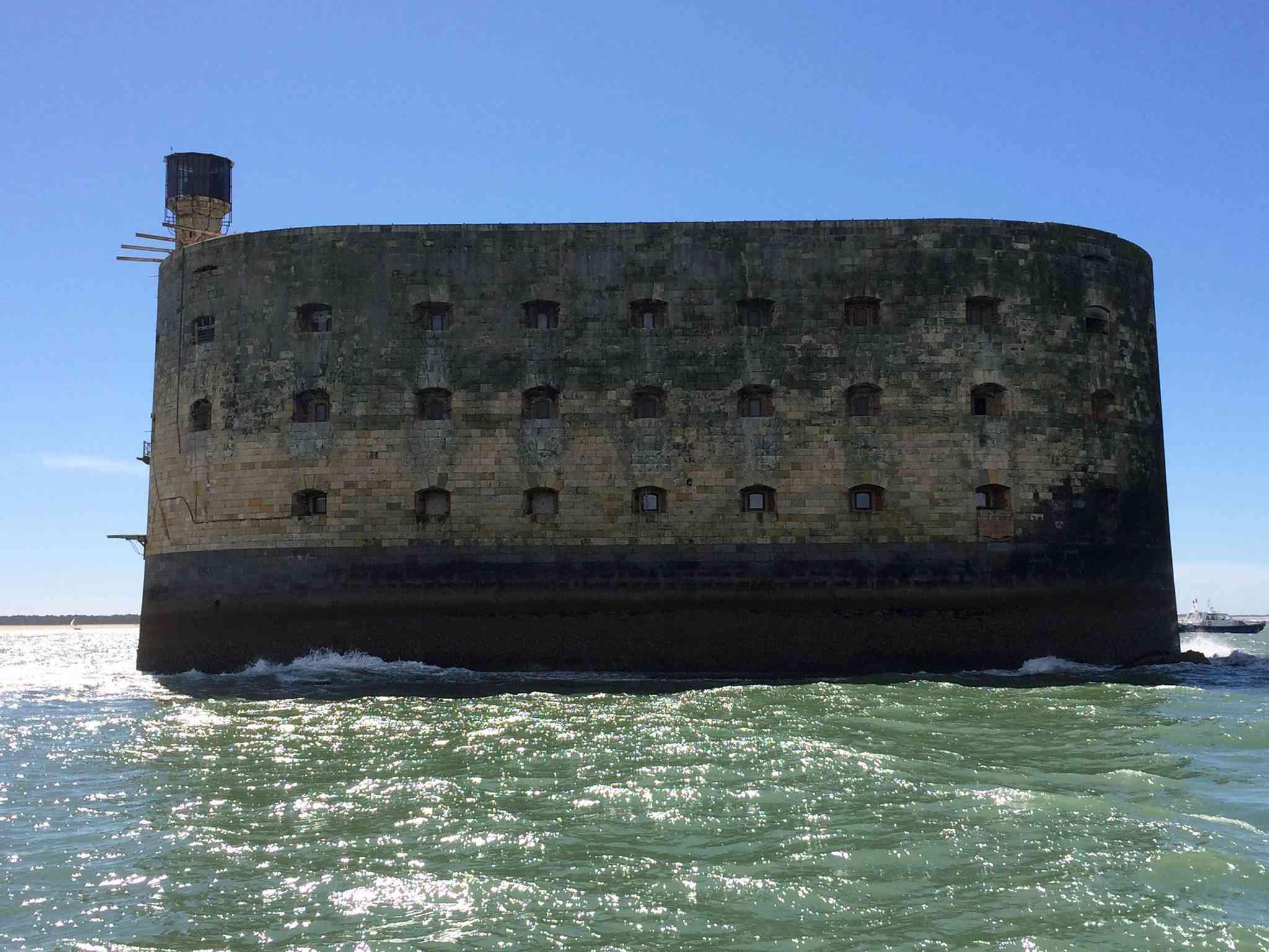 Photos de Fort Boyard 2016 (internautes, hors production...) 12983311