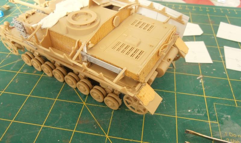Stug IV Ausf.G  (Italeri au 1/35eme) - Page 2 P4170710