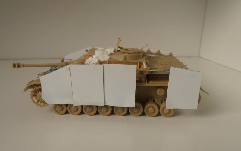 Stug IV Ausf.G  (Italeri au 1/35eme) - Page 2 P4170811