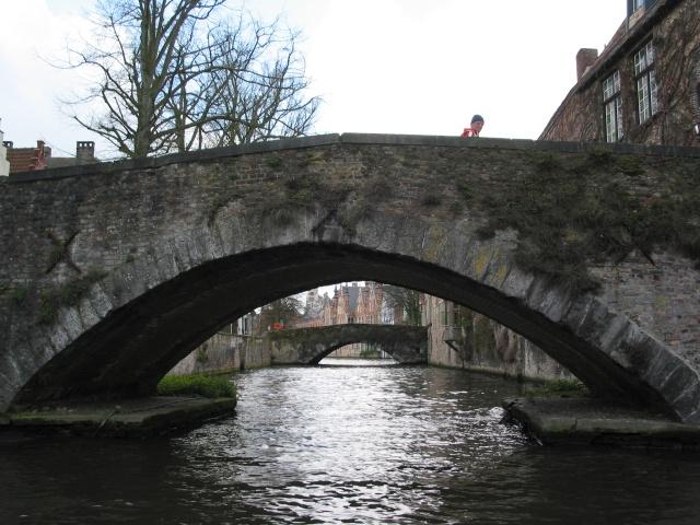 Le pont, incontournable du paysage routier - Page 2 2008-012