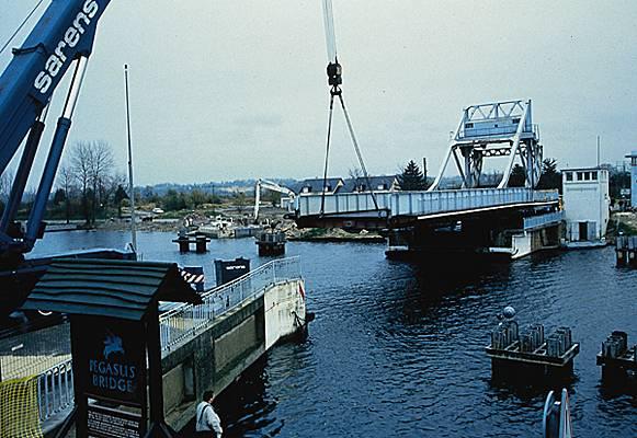 Le pont, incontournable du paysage routier Dymont10