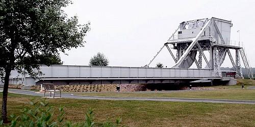 Le pont, incontournable du paysage routier Pegasu12