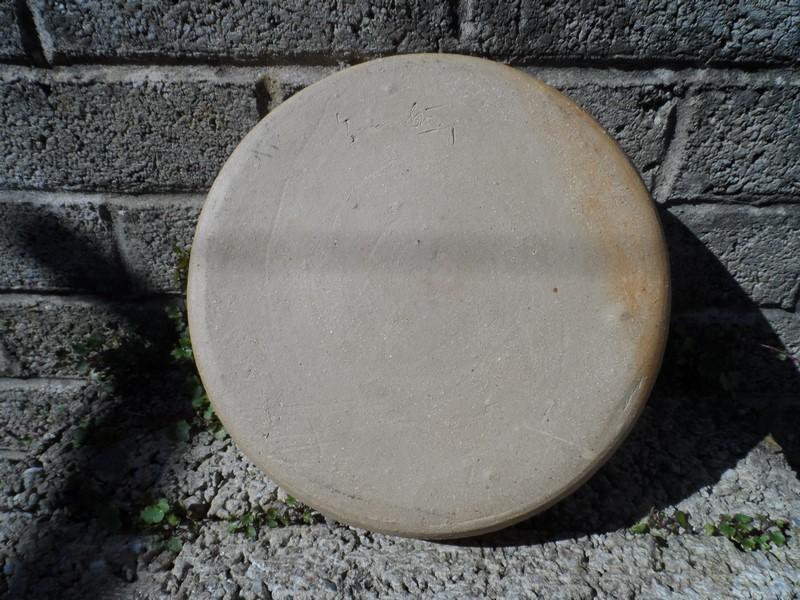 Tenmoku glazed bowl - signature on the back Sam_6417