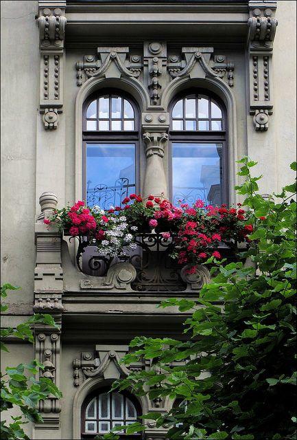 Des fenêtres d'hier et d'aujourd'hui. - Page 4 0ae37d10