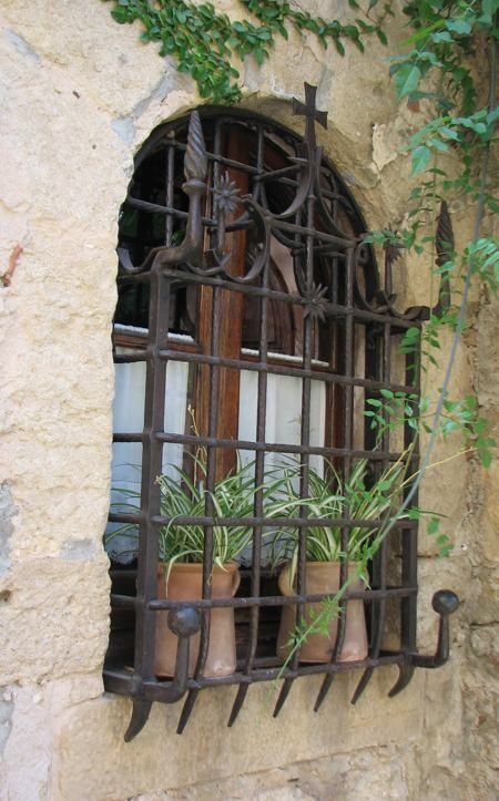 Des fenêtres d'hier et d'aujourd'hui. - Page 40 1dd44f10