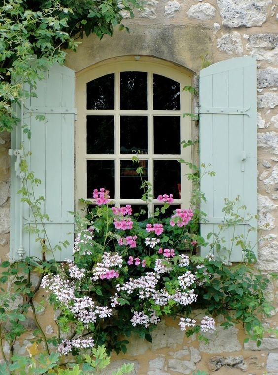 Des fenêtres d'hier et d'aujourd'hui. 2f1eb510