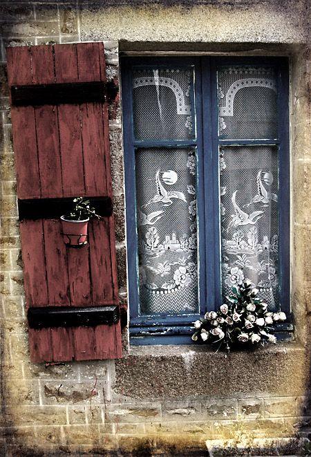 Des fenêtres d'hier et d'aujourd'hui. 48d74a10