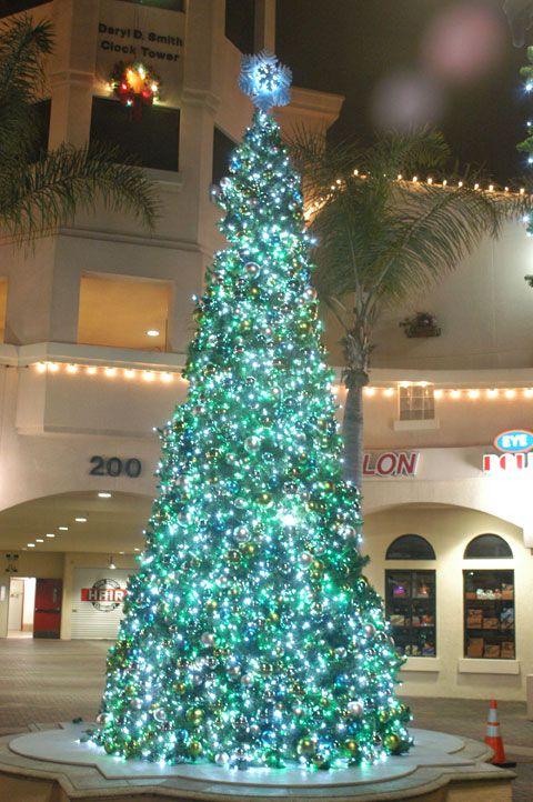 Les illuminations de Noël pour les fêtes 2.015   2.016 ! - Page 6 6be95b10