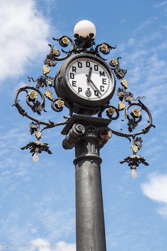 Reçu un beau diapo....Les horloges et pendules des rues..... - Page 24 A5ae5210
