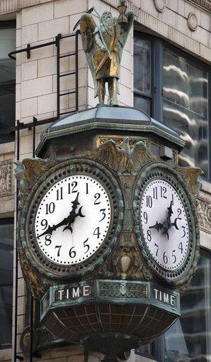 Reçu un beau diapo....Les horloges et pendules des rues..... - Page 24 Chicag11