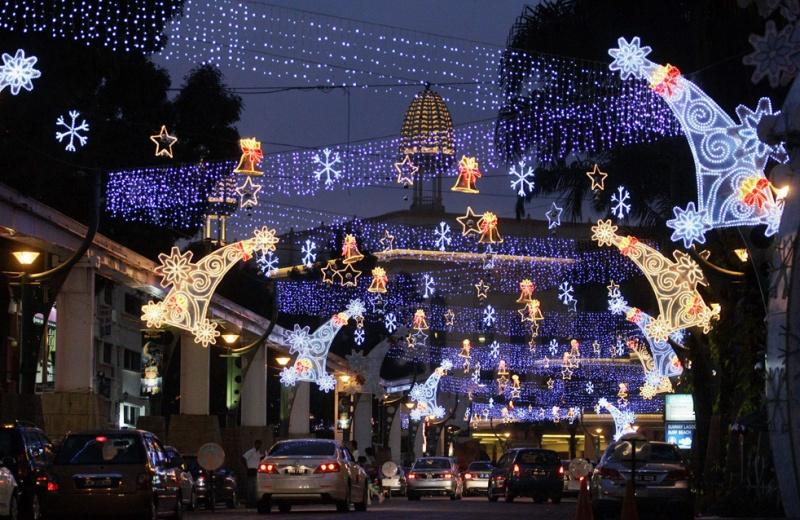 Les illuminations de Noël pour les fêtes 2.015   2.016 ! - Page 7 Lights11
