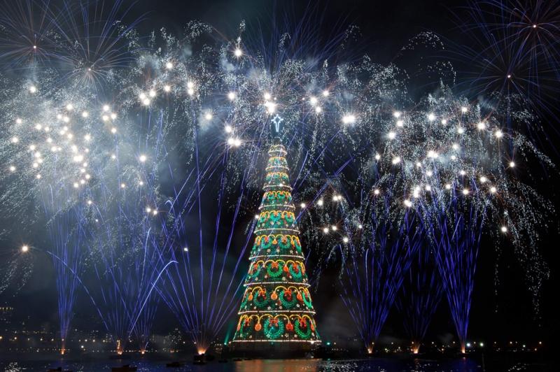 Les illuminations de Noël pour les fêtes 2.015   2.016 ! - Page 7 Lights16