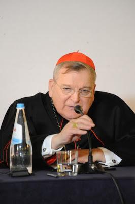 Le Cardinal Burke appelle les Catholiques à témoigner de l'intégralité de leur Foi ! Burke_11