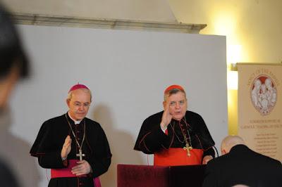 Le Cardinal Burke appelle les Catholiques à témoigner de l'intégralité de leur Foi ! Burke_13