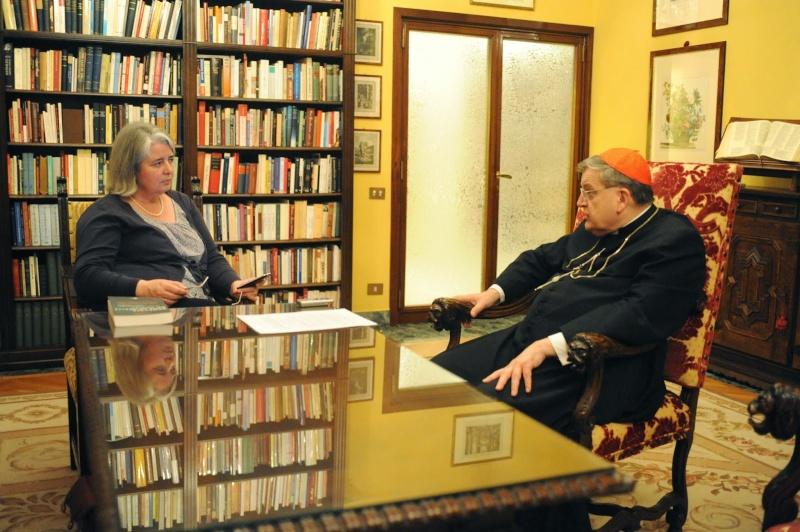 EXCLUSIF : Un entretien inédit avec le Cardinal Burke à propos de la Famille, du Mariage et du Synod Dsc_0614