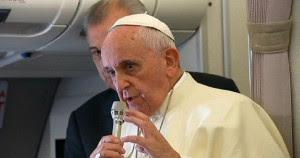 Le Pape confirme qu'Amoris Laetitia constitue un changement de discipline pour les divorcés-remariés Sans-t15