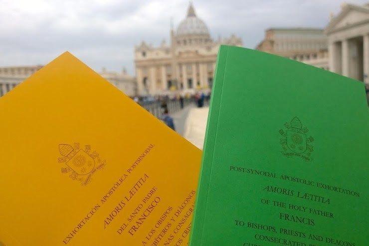 """DERNIÈRE HEURE : « """"Amoris Laetitia"""" : Le Pape François tend la main aux divorcés-remariés » ! - Page 9 Sans-t21"""