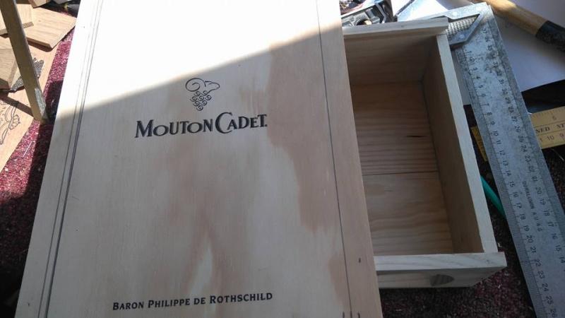 """Caisse de vin """"Win box guitar """" 12042710"""