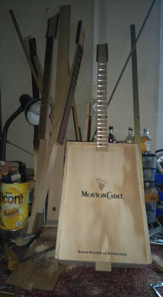 """Caisse de vin """"Win box guitar """" 12063710"""