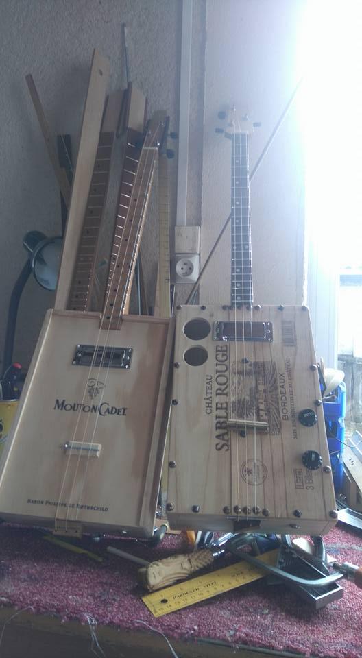 """Caisse de vin """"Win box guitar """" 12592211"""