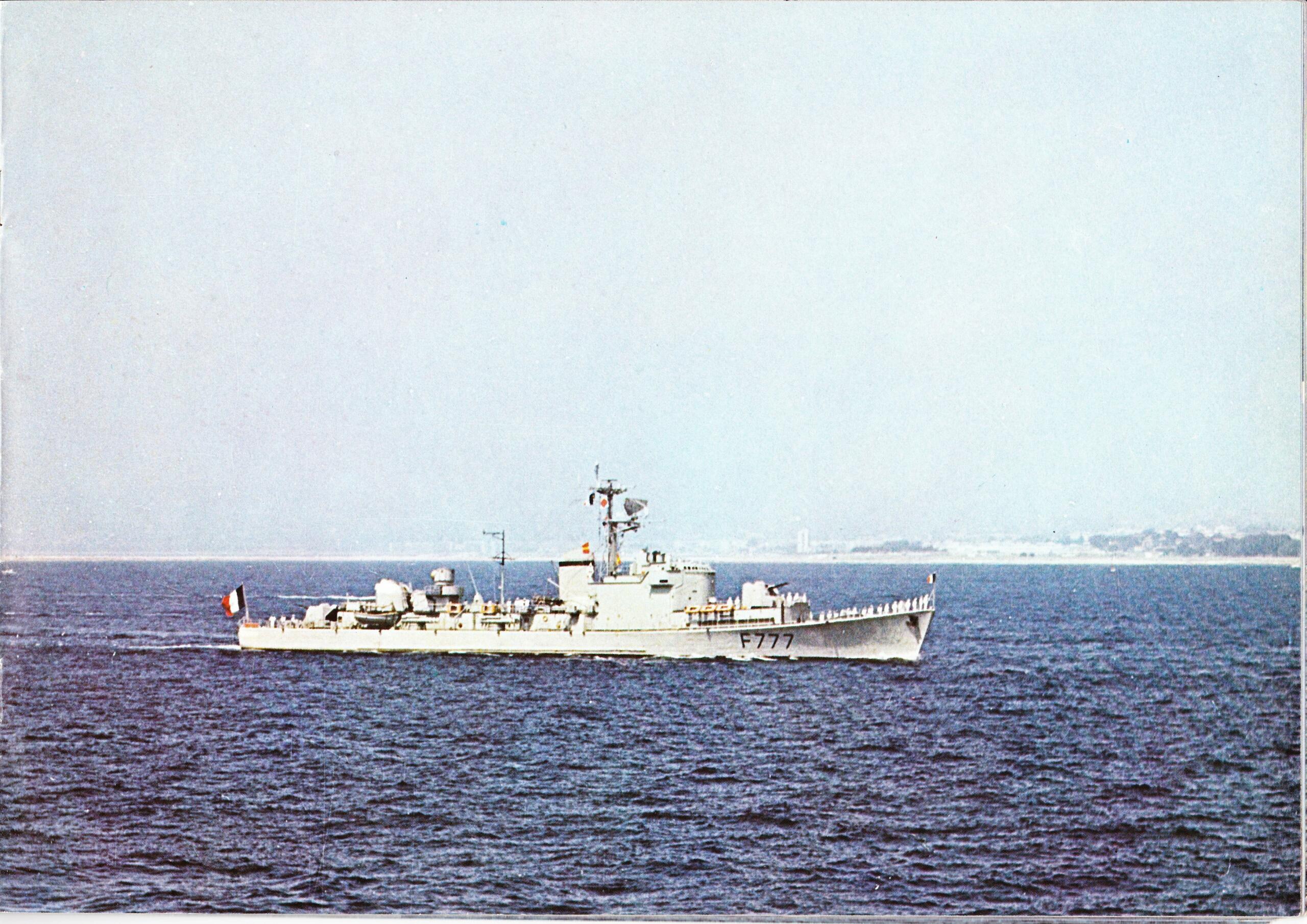 La marine de VGE - Page 3 Img_0051