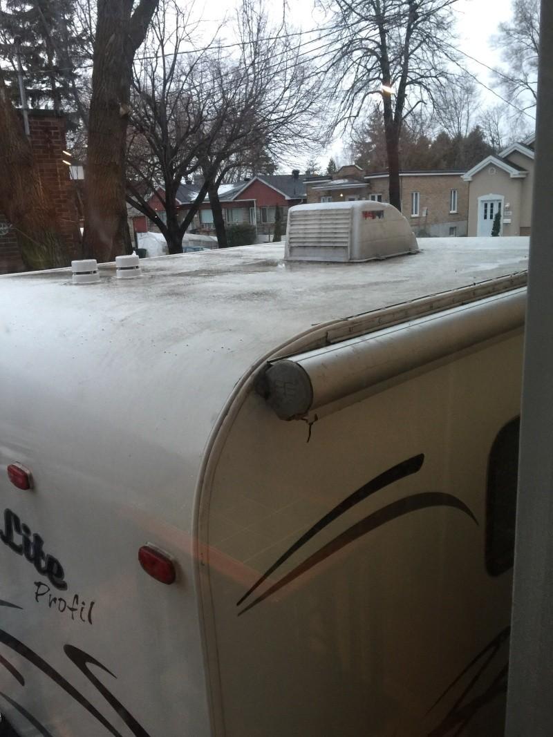 glace sur le toit de la roulotte - Page 2 Image22