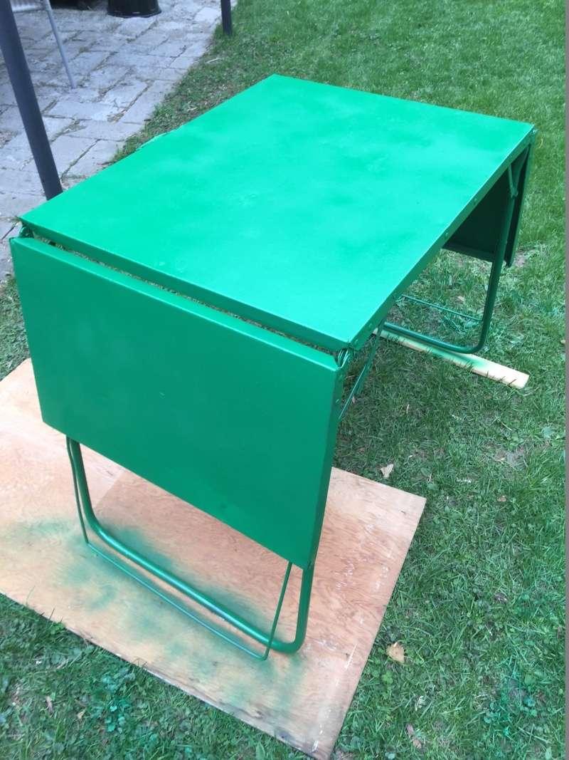 Restauration d'une table de camping vintage Img_2816